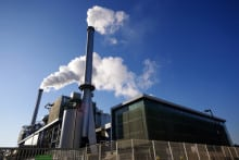There is little difference between incineration and landfill in regards to carbon emissions, the report argues